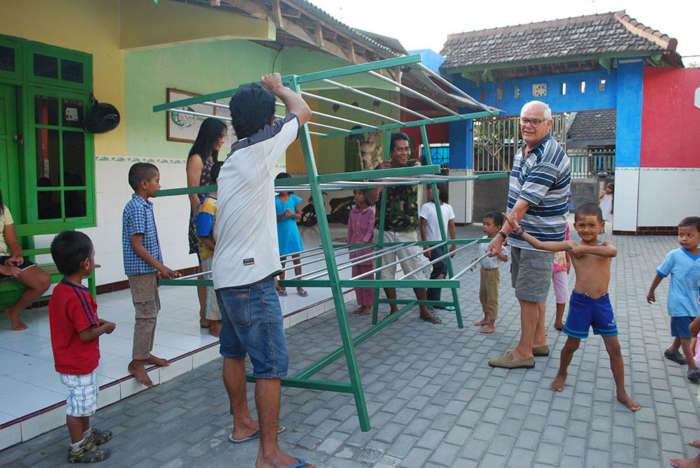 vrijwilligerswerk werkbezoek java indonesie vereniging smaragd